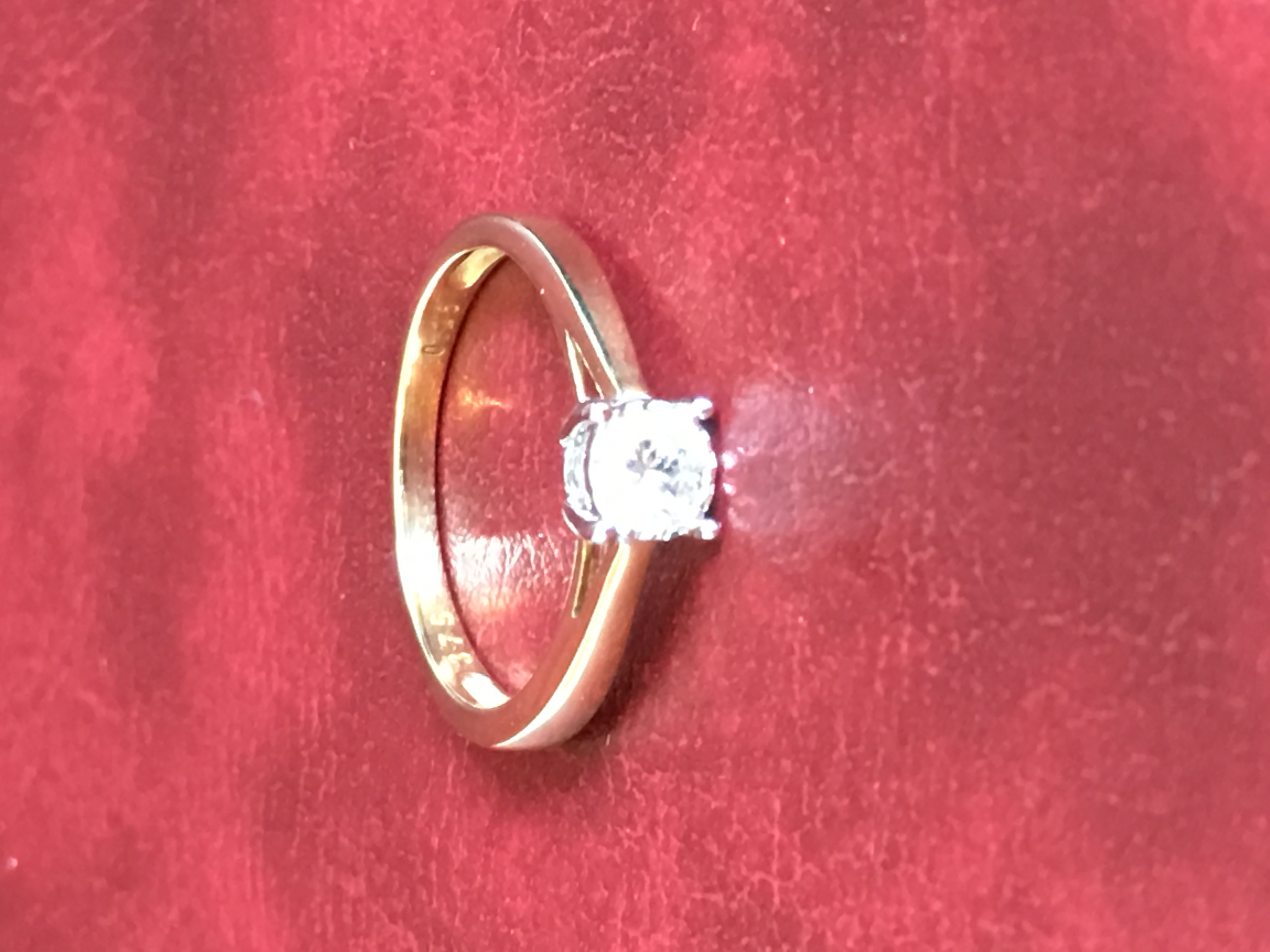 18CT Gold Ring Solitaire Diamond -
